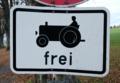 Zusatzschild 723 - Kraftfahrzeuge und Züge, die nicht schneller als 25 km-h fahren können oder dürfen (Sinnbild) frei, StVO 1970.png