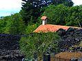 Ätna – unter der Lava versunkene Kapelle - panoramio.jpg