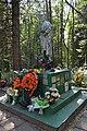 Братская могила, где похоронен Герой Советского Союза Таштемир Рустемов - общий вид.jpg