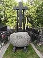 Могила скульптора Иуалиана Рукавишникова.JPG