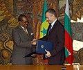 Николай Младенов с външния министър на Република Сенегал Мадике Нианг (6288282329).jpg