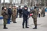 Олександр Турчинов вручив гвинтівки нацгвардійцям 0814 (26221723936).jpg