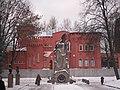 Памятник Героям 1812 года и музей ВОВ.JPG