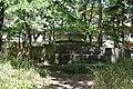 Площадка и постамент, вероятно здесь раньше была скульптура.jpg