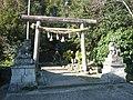 五條市東阿田町 八幡神社鳥居 Hachiman-jinja, Higashiada-chō 2011.3.05 - panoramio.jpg