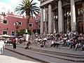 광장에 모여든 사람들 Guanajuato exico - panoramio.jpg