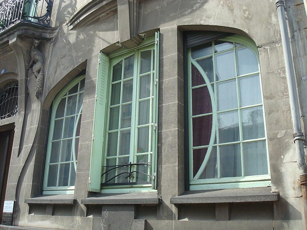 File 10 rue de ceyrat immeuble art d co fen tre for Fenetre francaise