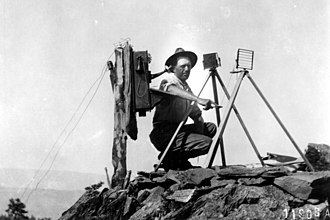 Telegraphy - US Forest Service lookout using a Colomb shutter type heliograph in 1912 at the end of a telephone line