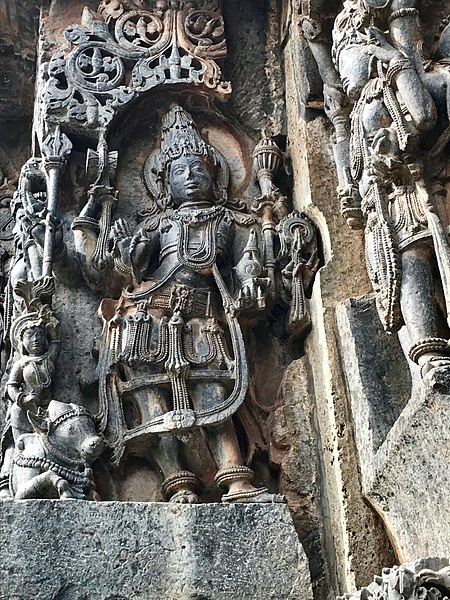 File:12th-century Harihara (half Shiva half Vishnu, Nandi survived, Garuda damaged) at Shaivism Hindu temple Hoysaleswara arts Halebidu Karnataka India.jpg