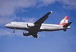 190dz - Austrian Airlines Airbus A320-214, OE-LBP@LHR,05.10.2002 - Flickr - Aero Icarus.jpg