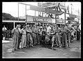 1930-08-03 Circuito del Montenero Alfa Romeo people.jpg