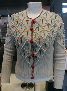 b4c2fd0e3 Sweater - Wikipedia