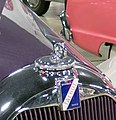 1951 Talbot-Lago - logo and hood ornament-15951952656 (cropped).jpg