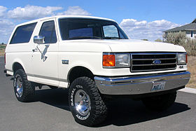 1990 Ford Bronco Front.jpg