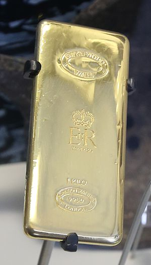 Welsh gold - 1kg of gold from Gwynfynydd Gold Mine that was presented to Queen Elizabeth II in 1986