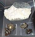 1 zeolite sur basalte 3 calcite 4 aragonite.jpg