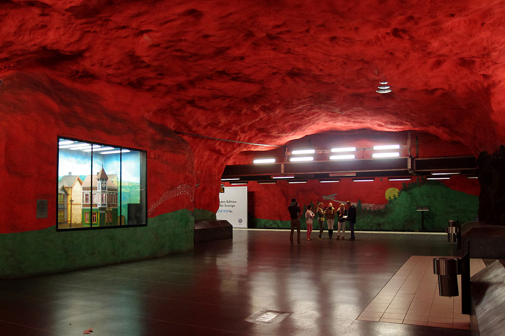 20130601 Stockholm Solna centrum Metro station 6883.jpg