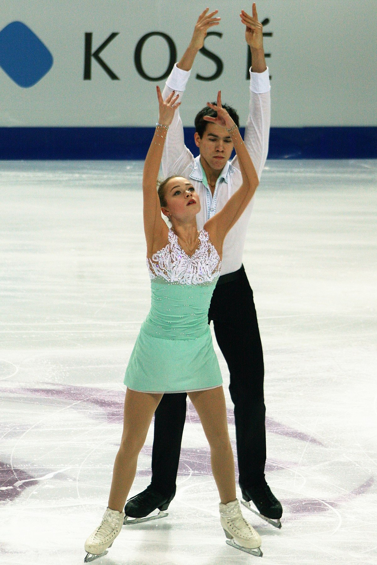 Figure skater Catherine Bobrov was not allowed in the United States because of doping 07.03.2016 81
