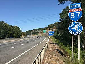 Interstate 87 (New York) - View north along the thruway in Ramapo
