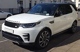 2017 Land Rover Discovery HSE TD6 Automatic Front.jpg