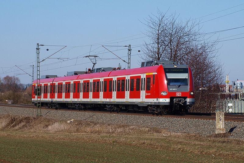 800px-423_449_Main-Weser-Bahn_Gross_Karben.jpg