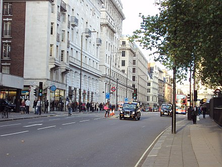 Piccadilly, looking towards Piccadilly Circus, near Green Park station in 2009. A4 Piccadilly, near Green Park - DSC04259.JPG