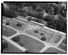 AERIAL VIEW OF GREENHOUSE, LOOKING NORTHWEST - Lyndhurst, Greenhouse, 635 South Broadway, Tarrytown, Westchester County, NY HABS NY,60-TARY,1B-18.tif