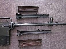 AR10 Armalite vue du fus démonté.jpg