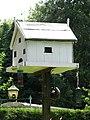 A bird house - geograph.org.uk - 895546.jpg