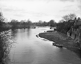 Stamford Bridge, East Riding of Yorkshire - Image: A view from the bridge, Stamford Bridge YORYM S409