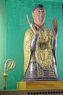 Abbatiale St Césaire (Maurs)-Reliquaire et crosse.jpg