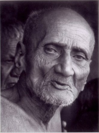 Fasting - Acharya Shantisagar, among others, observed the Jain vow of sallekhana.