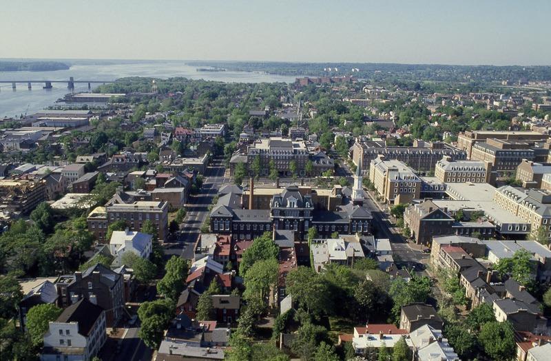 File:Aerial view of Alexandria, Virginia LCCN2011632798.tif