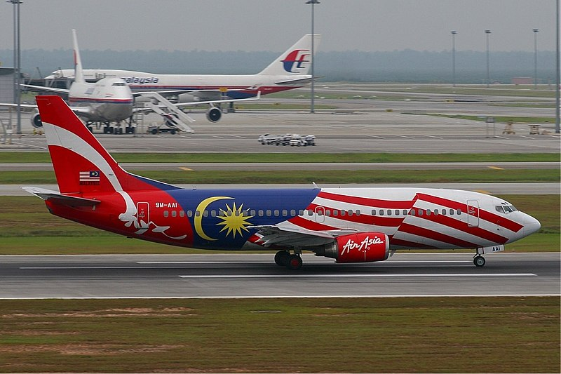 File:Air Asia Boeing 737-300 Malaysian Flag MRD.jpg