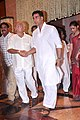 Akshay Kumar at Rajesh Khanna's prayer meet 01.jpg