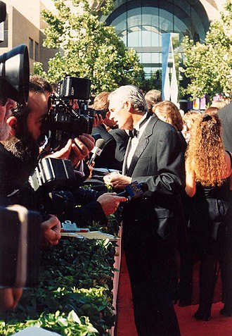 Alan Alda - Alda at the 1994 Emmys