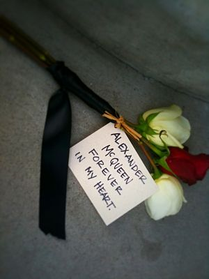 Alexander McQueen - A dedication by a fan at an Alexander McQueen store after McQueen's death