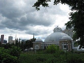 Garden District, Toronto - Allan Gardens at the centre of Toronto's Garden District