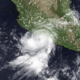 Hurricane Alma (1996) Category 1 Pacific hurricane in 1996