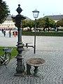 Altötting — Kapellplatz — Trinkbrunnen.JPG