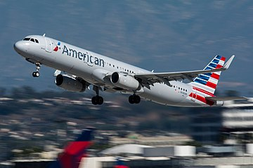 American Airlines Airbus A321 (N148AN) at LAX (22543623719).jpg
