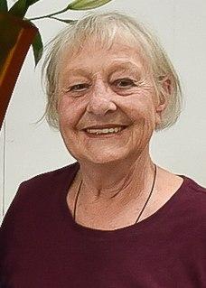 Ann Robinson (artist) New Zealand studio glass artist