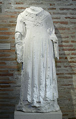 statue de diacre : saint Vincent