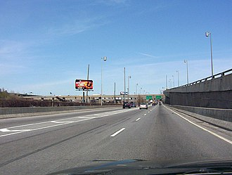 Quebec Autoroute 720 - Image: Approaching turcot interchange east