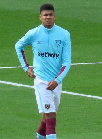 Ashley Fletcher - Fletcher warming-up for West Ham United