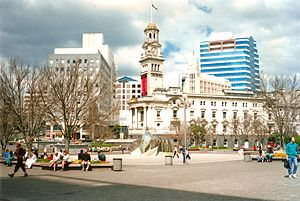 Aotea Square and Auckland Town Hall, 1990