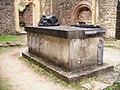 BE-LX-Orval Abbaye tombeau.jpg
