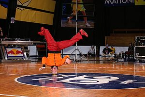 Hahny (Skyliners, Germany) performing a headsp...