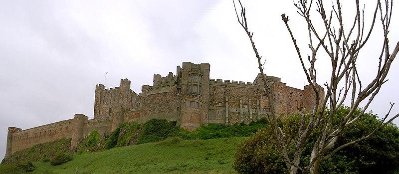 File:Bamburgh Castle 03.jpg