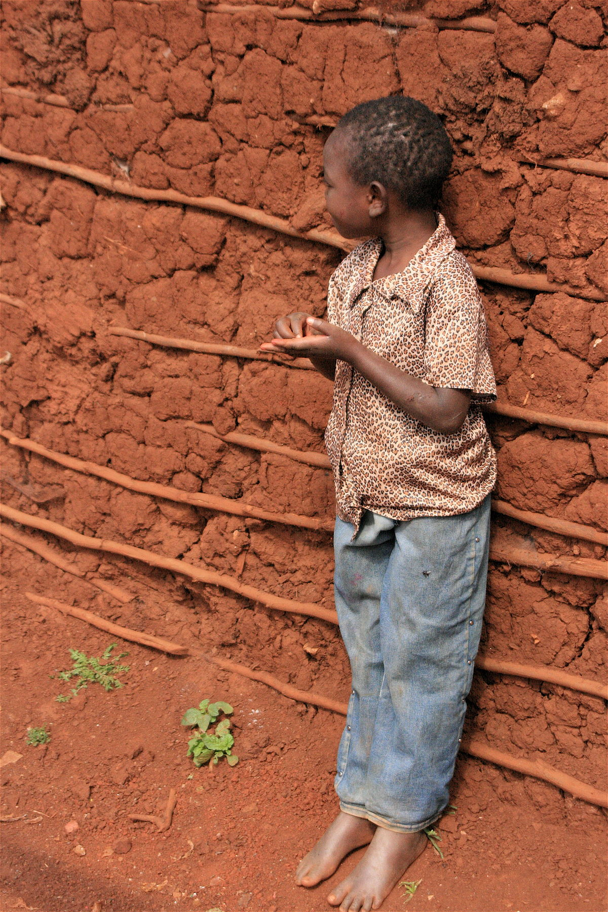 Barefoot child in Kibera.jpg